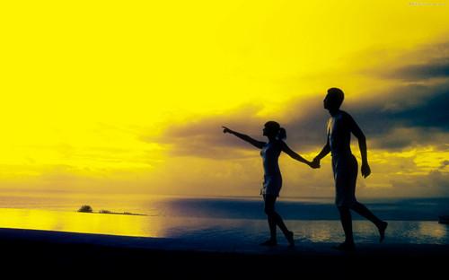 海边浪漫唯美情侣素材