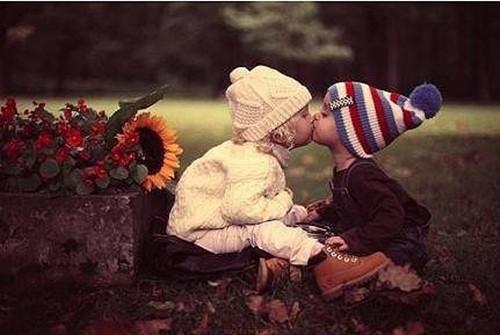 可爱小情侣唯美图片_我们虽小但也懂得爱