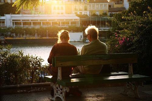 动态图_恩爱一生爱人图片_陪伴一生的爱人_爱情163小说网
