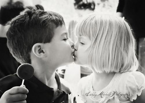 欧美甜蜜小情侣图片 幸福的亲密小情侣