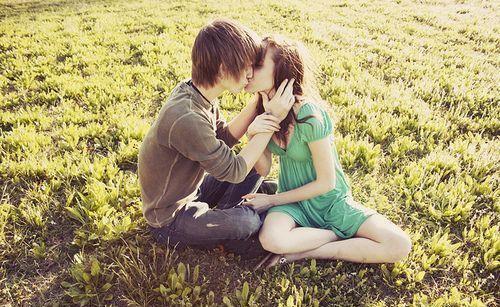 爱情接吻图片大全 情侣接吻图片 亲吻图片大全大图拥抱 爱情接吻恶心