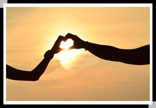 唯美情侣心形手势图片_让我们一直这样走下去