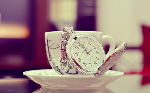 时间在爱情和欢笑中飞逝图片