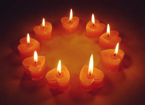 520唯美心形蜡烛素材_专属心形爱情图片