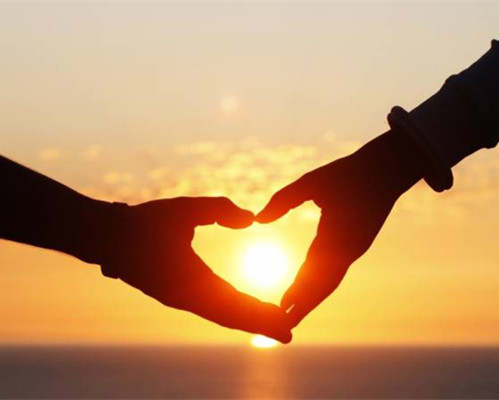 幸福浪漫的情侣图片_在一起是最幸福浪漫的语言_爱情