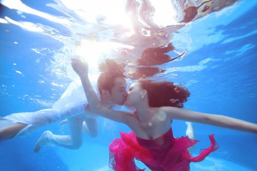 水下爱情唯美意境图片